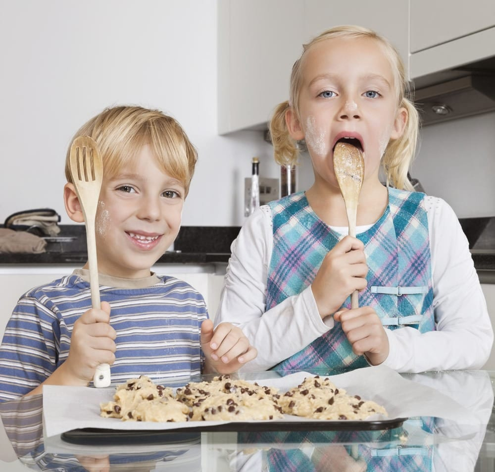 5 Common Foods That Give Children Cavities